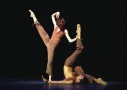 Béjart: Juan és Theresa: Béjart 1970-ben a belga fővárosban iskolát is alapított, s a Mudra sok neves művészt adott a balett világának. Tanárként is legalább olyan sikeres volt, mint táncosként é