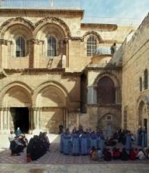 Örmény Apostoli Orthodox Egyház a miafizitimust fogadta el. A miafizitimus álláspontja szerint Krisztus egyetlen személy, melyben az isteni és az emberi jelleg egyetlen természetben van jelen, s az is